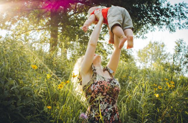 Mama und Baby Bauchtanz