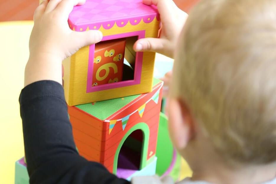 Montessori-Kinderhaus  Ein Kinderspiel